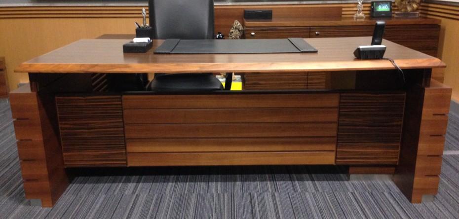 Custom office desk 2